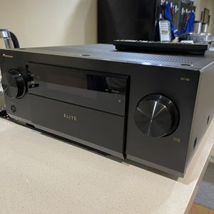 Pioneer Sc-82 ELITE Av Receiver (mint Condition ) for Sale in Phoenix, AZ