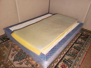 Twin size foam topper for Sale in San Jose, CA