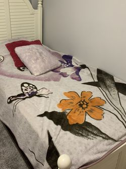 Complete Twin Size bed for Sale in Westlake,  OH