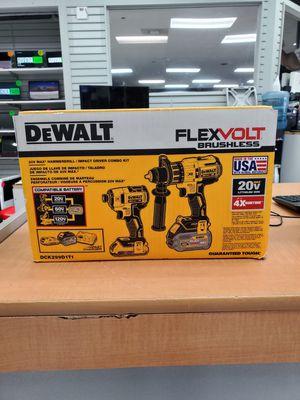 DEWALT FlexVolt Hammerdrill/ Impact driver combo kit for Sale in Orlando, FL