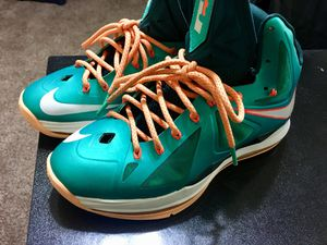 Lebron 10 Miami dolphins sz 8.5 no flaws but no insoles for Sale in Oxon Hill, MD