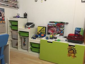 Kids Organizer Toy Chest and Desk for Sale in Miami, FL