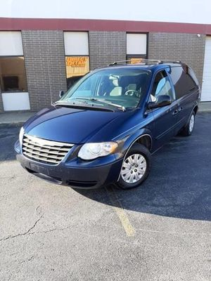 2006 Chrysler Town & Country LWB for Sale in Brook Park, OH