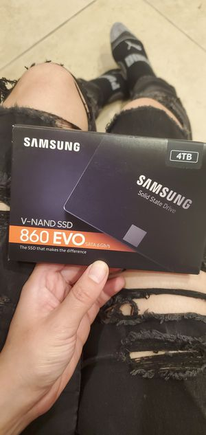 New Samsung 860 EVO 4TB SATA 6gb/s SSD for Sale in Brea, CA