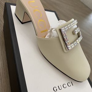 Womans Gucci Shoes Size 7.5 for Sale in Hollywood, FL