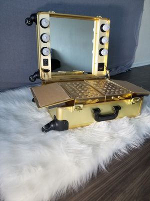 OPV Gold makeup trunk(Vanity) for Sale in East Orange, NJ