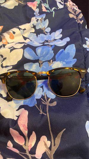 Ray-Ban sunglasses for Sale in Miami Gardens, FL