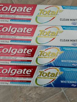 Colgate toothpaste for Sale in Everett,  WA