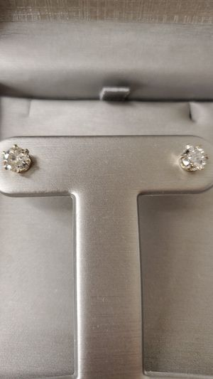 Diamond Studs 1.50 carat tw Earrings for Sale in Cleveland, OH