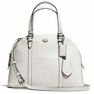 White Authentic Coach Dome Satchel w/removable shoulder strap. Paid more than $250. Very little use. for Sale in Hollywood, FL