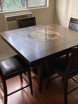 Dining Set Tall Table And Chairs for Sale in Los Angeles,  CA
