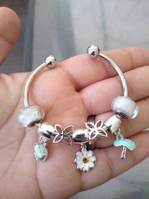 Daisy Charm bangle for Sale in Spring, TX