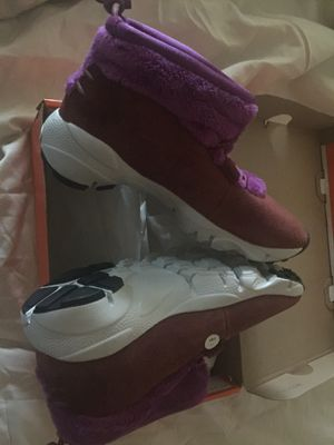 Nike Suede winter shoes, Women size 6 (Brand new) for Sale in Happy Valley, OR