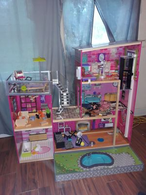 Barbie house for Sale in Tampa, FL