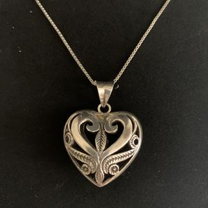 NWOT sterling silver filigree Puffed heart necklace for Sale in Freeland, PA