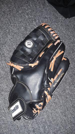 Like new Franklin baseball glove for Sale in Oakland, CA
