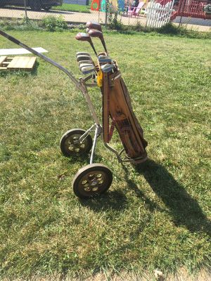 Vintage golf clubs and cart for Sale in Allen Park, MI