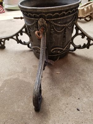 Cast iron tree stand for Sale in Hughson, CA