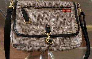 SKIP *HOP diaper bag with changing mat$5 for Sale in Victorville, CA