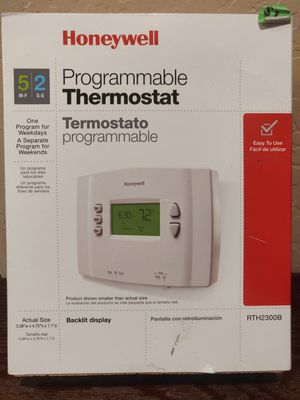 Brand New Honeywell programmable thermostat for Sale in Town and Country, MO