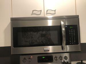 Frigidaire Microwave - Over the range for Sale in Boynton Beach, FL