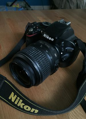 Nikon D5100 DSLR Great Condition Includes lense Digital Professional Camera and backpack fully working for Sale in Hollywood, FL