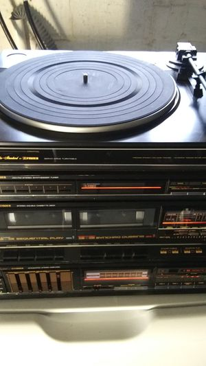 Old school Fisher stereo for Sale in Cleveland, OH