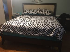 King size 7 piece bedroom set for Sale in Cleveland, OH