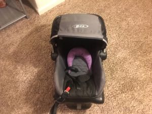Baby car seat and carry for Sale in Merced, CA