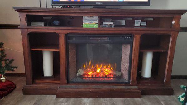 Hardwood electric fireplace