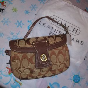 ❤Wristlet Coach original for Sale in Hialeah, FL