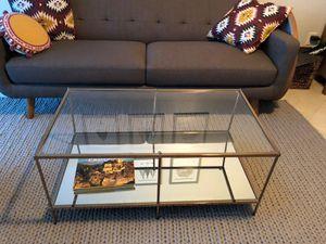 Pretty coffee table for Sale in Miami, FL