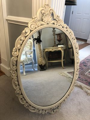 "40""X27.5"" Large Antique Oval Ivory Vintage mirror for Sale in Gainesville, VA"