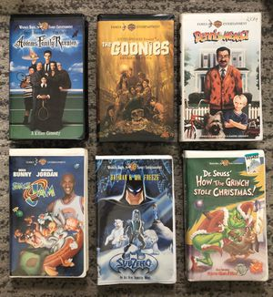 VHS Vintage Lot 6 VHS Adam family, Grinch, Space Jam, Batman ... for Sale in Mountain View, CA
