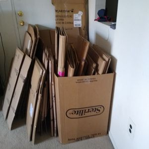 Small Moving Boxes---FREE for Sale in Philadelphia, PA