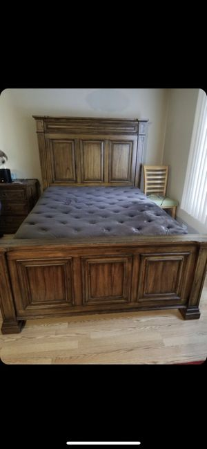 Bedroom Set, All Furniture in Pictures. No Mattress/BoxSpring. for Sale in Harwood Heights, IL