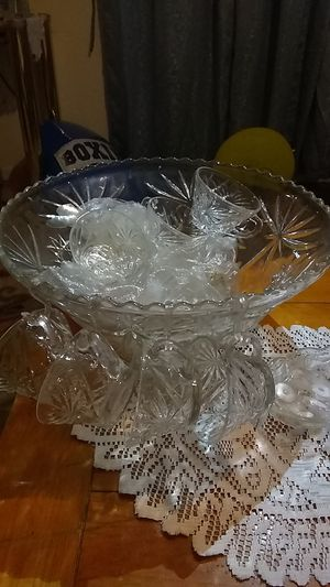 Crystal glass punch bowl for Sale in Auburndale, FL