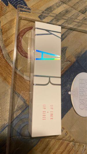 Lip liner & lip gloss for Sale in Hesperia, CA