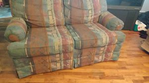 Perfect couch $50 for Sale in Saginaw, MI