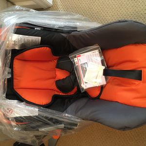 NEVER USED. Britax B-Safe Bob Exclusive. for Sale in Nashville, TN