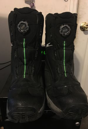 New edition Still toe Work boots with insulation for Sale in Fayetteville, NC