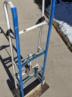 Good Structural Condition hand truck for Sale in Taylorsville,  UT