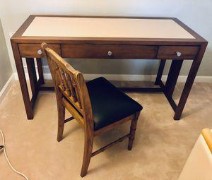 Computer desk & chair for Sale in Jupiter, FL