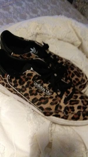 Afdidas leapord print fur mens10.5 for Sale in Eau Claire, WI
