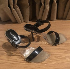 COLIN STUART BLACK SILVER STRAPY HIGH HEELS SIZE 6.5 for Sale in Macomb, MI