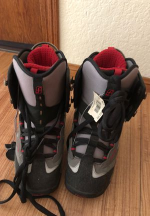 Snow boarding boots kids for Sale in Fontana, CA