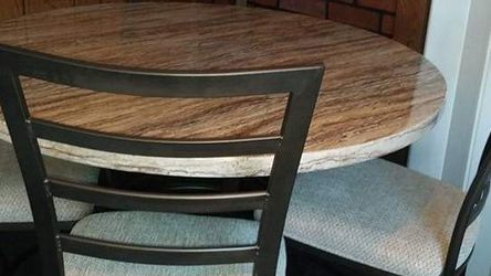 Brand new dining set for Sale in St. Louis,  MO