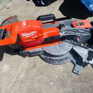 "Milwaukee M18 10"" Dual Bevel Sliding Compound Miter Saw for Sale in Philadelphia, PA"