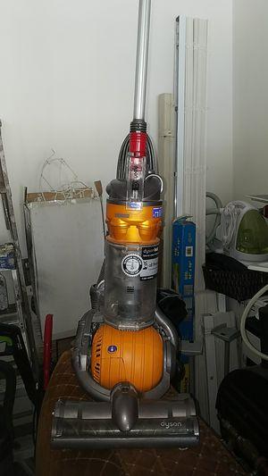 Dyson dc 24 vacuum cleaner!! Ablo Espanol for Sale in Atascocita, TX
