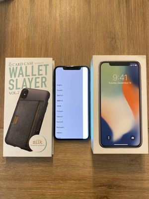 IPHONE X 10, 256GB - cracked back and damaged front screen for Sale in Miami Gardens, FL